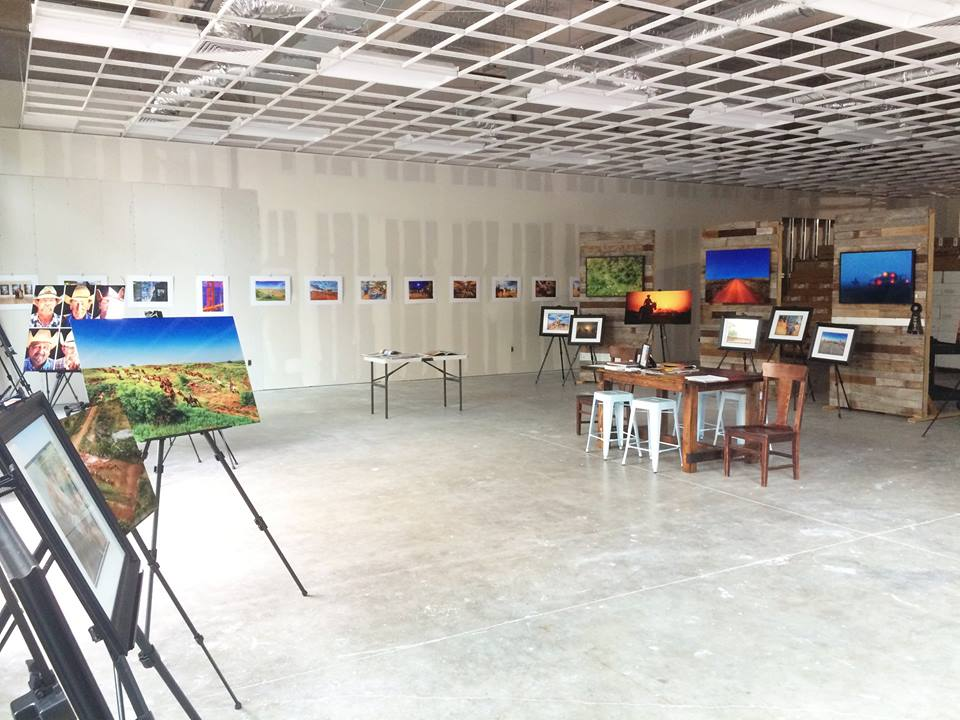Pop Up Gallery Art Display