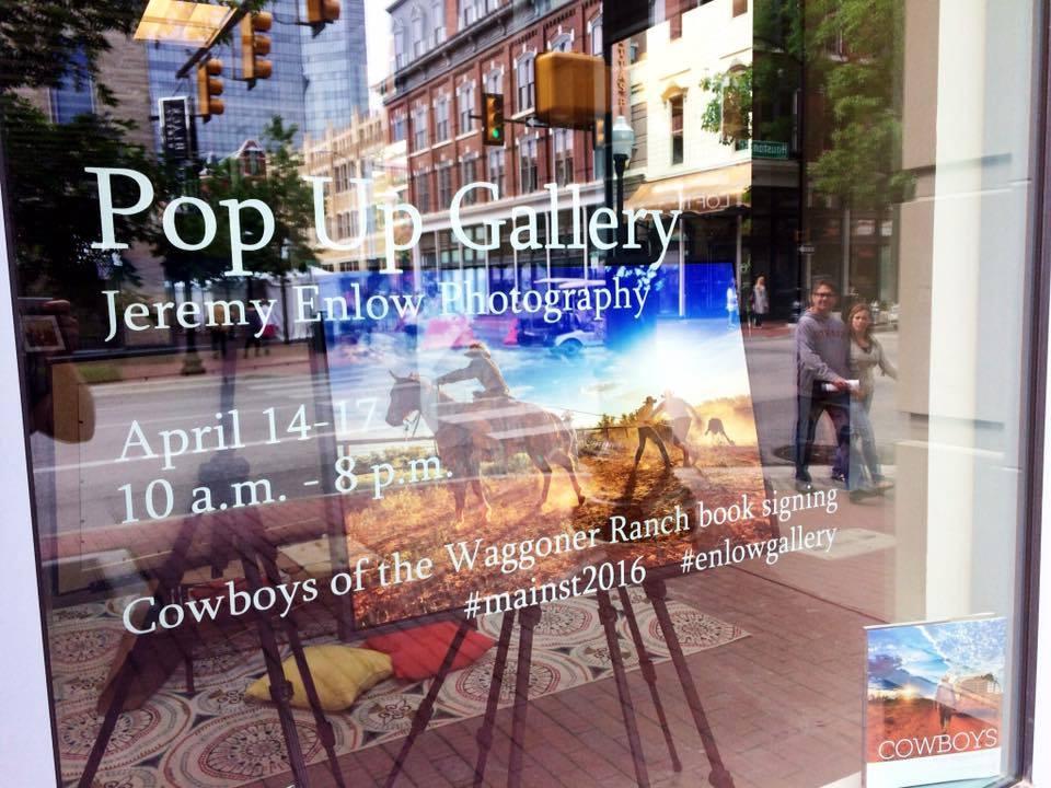 Pop Up Gallery Window