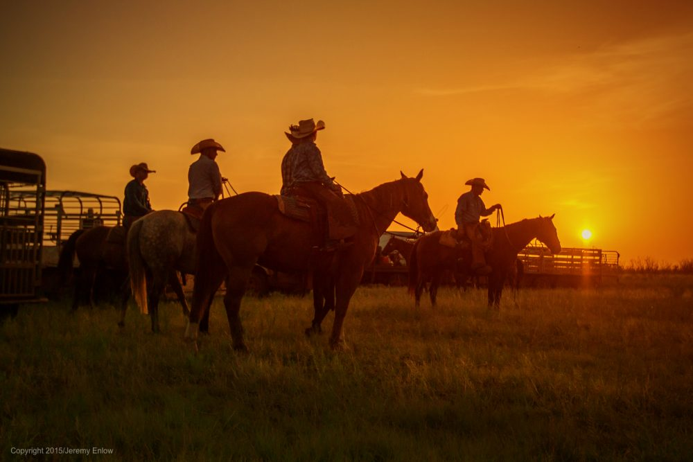 texas-sky-cowboys-horses-sunrise
